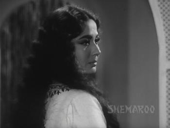 Meena Kumari in and as Benazir