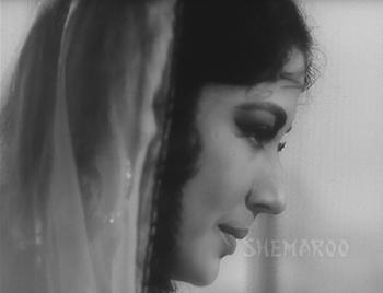 Benazir falls deeper in love with Anwar