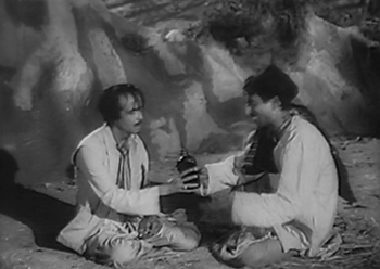 Two drunks end up with Keshav's bottle of 'saunf ka arak'