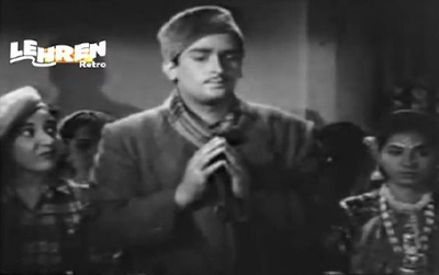 Moti Singh et al at the thana
