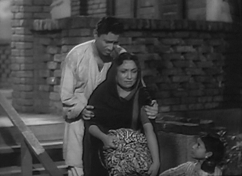Keshav stops his mother and Munni from leaving