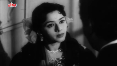 Shyam meets Lata, and mistakes her for Shobha