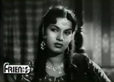 Lala Rookh watches a dance