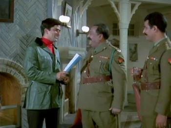 At the mess: Kamini sees Ajit