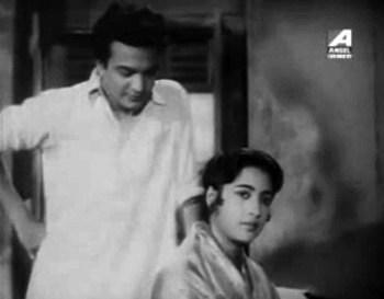 Uttam Kumar and Suchitra Sen in Chaowa-Pawa