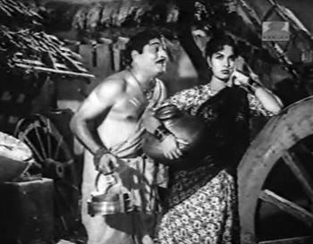 Banwaari tries to get fresh with Basanti