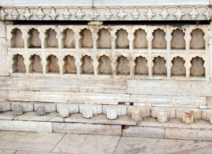 This row of pishtaqs at the Red Fort are in front of the Rang Mahal.