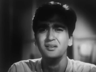 Sunil Dutt in his debut role as Ram in Railway Platform