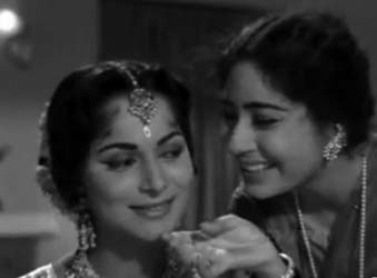 Waheeda Rehman and Chand Usmani in Shagoon