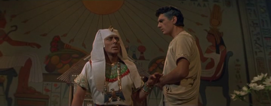 Edmund Purdom with Michael Wilding in The Egyptian