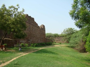 Part of the walls of Siri, Alauddin Khalji's capital - this is about all that remains of the city.