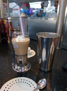 A malted mocha fudge ice cream shake at Johnny Rockets: super!
