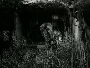 Genjuro is taken to the Palace of the Kutsuki family