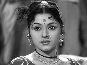 Padmini as Kammo in Jis Desh Mein Ganga Behti Hai
