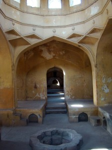 The ghuslkhana in the mortuary bath, where the dead body would be ritually bathed.
