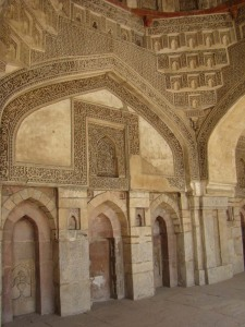 The Bada Gumbad Mosque, Lodhi Gardens: a fine example of incised plaster.