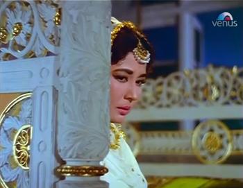 Meena Kumari as Zeenat Jahaan Begum in Bahu Begum