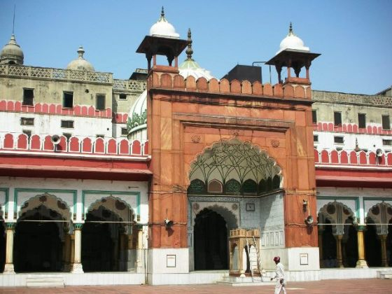The Fatehpuri Masjid - a view of the facade.