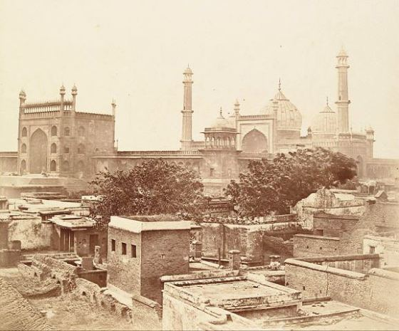 A view of the Jama Masjid, with its surroundings still intact, from a photograph taken in 1858 by Felice Beato.