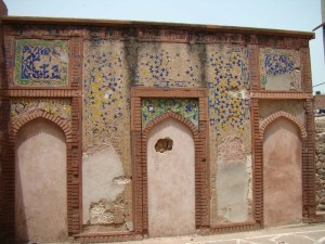 The wall mosque at the tomb of Atgah Khan.