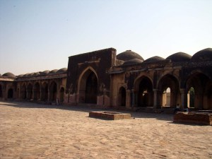 Begumpuri Masjid, with its large sehan.
