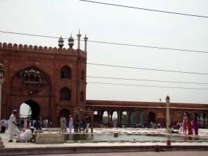 The hauz at Jama Masjid.