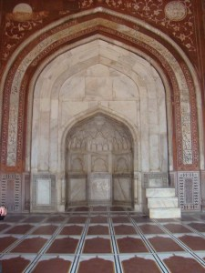 The mihrab at the Taj Mahal mosque, with the mimbar next to it.