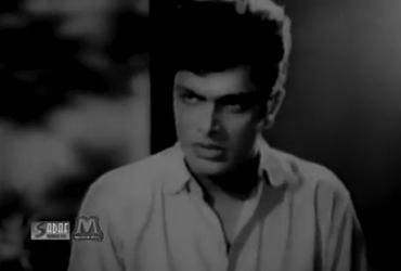 Waheed Murad as Nasir in Armaan