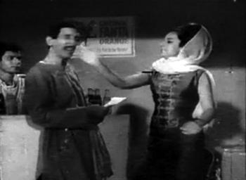Asha slaps Chhajju...