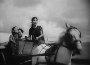 Ghir-ghirke aasmaan par chhaane lagi ghataayein, from Baanwre Nain