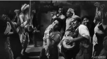 Hariyaala saawan dhol bajaata aaye, from Do Bigha Zameen