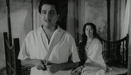 Bharat Bhushan and Shalini Madolkar in Taqdeer