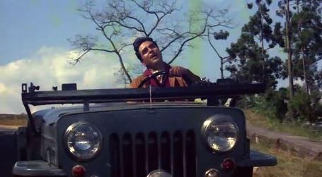 Kaun hai jo sapnon mein aaya, from Jhuk Gaya Aasmaan