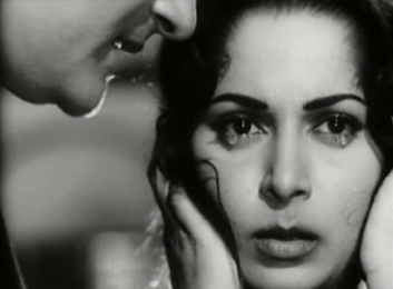 Waheeda Rehman and Dev Anand in Baat ek Raat ki