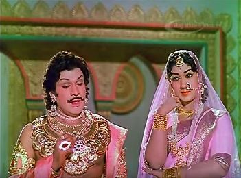 Duryodhan and Bhanumati take it upon themselves to get Karnan married