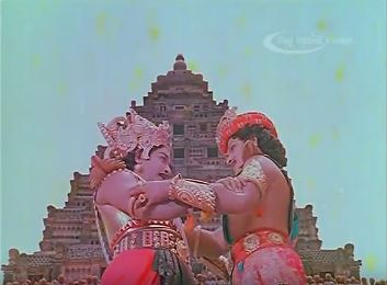 Duryodhan bestows the kingdom of Anga on Karnan