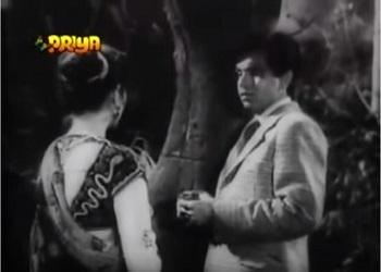 Kamla saves the Thakur - and gets little gratitude
