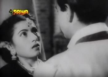 Kamla realises who the Thakur is