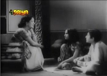 Dhaayi Maa tells Shankar and Kamla a story