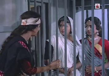 Radha Mausi and Sargam are taken aback