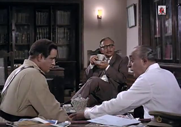 The doctor, the cop and the lawyer discuss the case