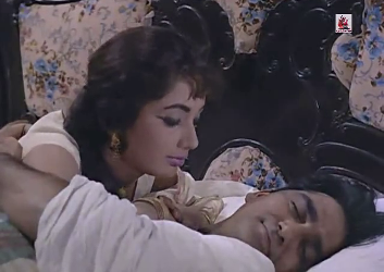 Sadhana and Sunil Dutt in Waqt