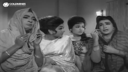 Biswajeet, Keshto Mukherjee, Kalpana and Shabnam in Biwi aur Makaan