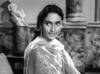 Nutan as Jameela in Dil Hi Toh Hai