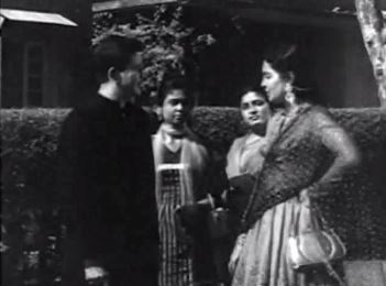 Jameela confronts Chand, unaware that he's her idol