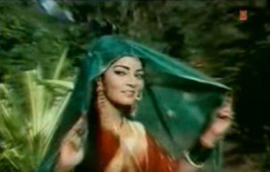 Dhaani chunri pehen sajke, from Hare Kaanch ki Chooriyaan