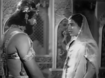 Praarthana scoffs at her brother Aambhi and leaves him