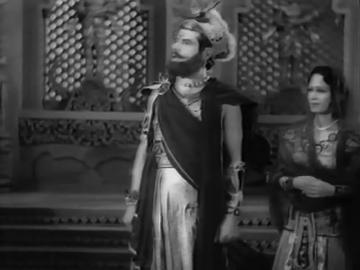 Rukhsana is accepted as 'rakhi sister' by Puru