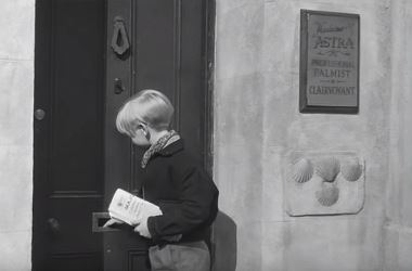 Alfie goes to deliver the newspaper to Mrs Huston