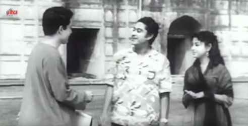 Nikki and Anand meet Ashok at the Red Fort